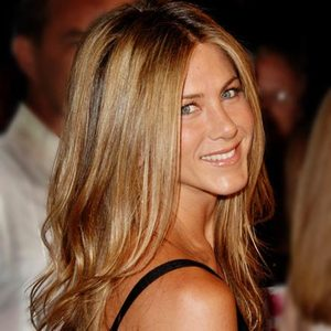 Jennifer Anniston feat. Bronde Summer Hair
