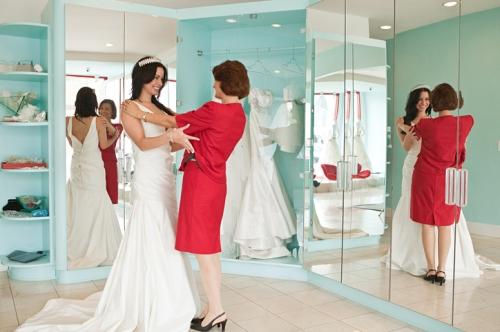 bride-at-shop-w724