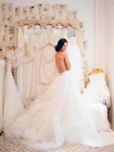 How to pick your wedding dress