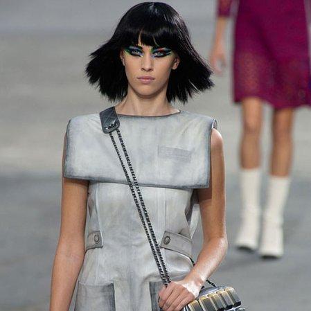Chanel-Spring-2014-Alexa-Chung-Hits-Runway