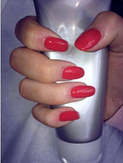 Chipped, cracked, nails, smudged, long lasting, perfect manicure, top tips, bio sculpture, file, buff polish, executive base, base coat, top coat, beauty secrets, sally's salon services, cuticle oil, hand cream
